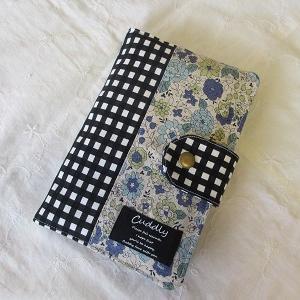 YUWAシャモニー(ブルー)×黒のチェック柄の通帳ケース♪