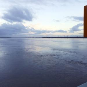 8/18(水)現在の木曽川の濁り状況、尾張大橋より。
