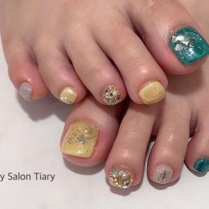 【フットジェル】夏カラーでキラキラ透明感ネイル☆安芸区トータルビューティーサロンTiary