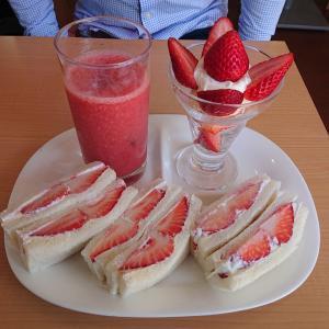 『フルーツパーラー ヤオイソ』で苺サンドとフルーツサンド@京都