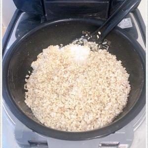 玄米甘酒でデトックス*年末年始の胃腸の負担は、玄米甘酒で。チワワのすみれと獅子丸も食べてます。