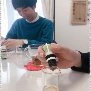 アロマ香水作り!20代のカップルがご来店!自分好みの香りが発見できた。ご感想頂きました。