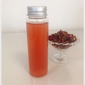 ローズティーを使ってローズ化粧水を作りました。ローズの香りと色で癒されますw