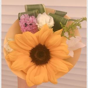 ひまわり・夏のお花。ひまわりと言えば琥次楼を思い出す、、8月は、こじこたの誕生日