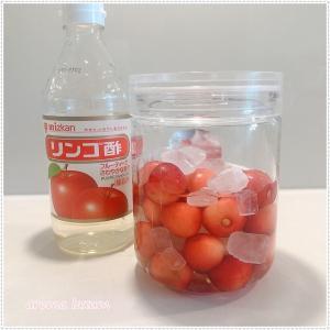 さくらんぼと氷砂糖とリンゴ酢で、さくらんぼのフルーツ酢を作りました。美味しいと評判