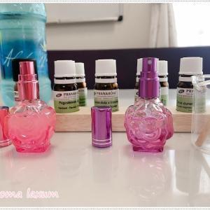 アロマ香水作り!20代のお友達同士でご来店。仲良しでも選ぶ香りは違いますね。フレグランスは合成