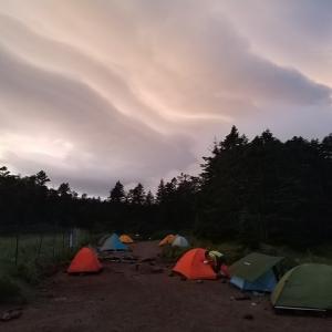 テント泊訓練予定の雨行脚。天狗だけ。