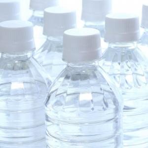 賞味期限切れの水のペットボトルはどうしたらいいんでしょう