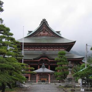 雨のドライブで善光寺へ行きました②