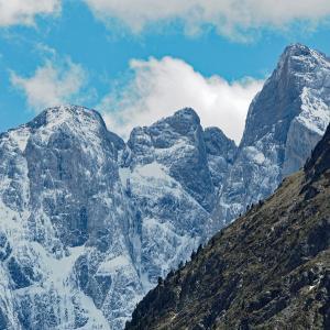 ヴィニュマール山塊とコーブ湖 フレンチ・ピレネーの最高峰など