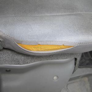 三菱クリッパーシート修理、部分張替え