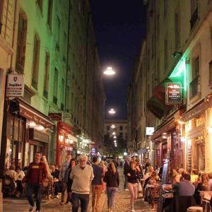 ③美食の街Lyonではやっぱり食べ者に目がいっちゃう・・・