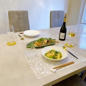 新しいお皿でタイ風アジア飯ディナー