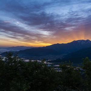 八海山の朝焼け。