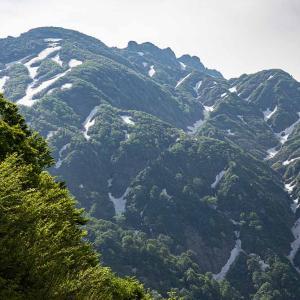 春の八海山