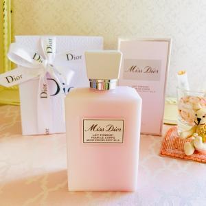 8月の香水ギフトコースは、ディオールのローズ&ローズです♡