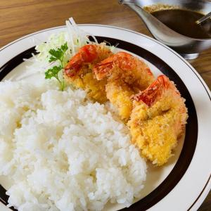 """""""行く価値あり!那珂川町にある洋食の名店、レストラン道オリジナルのエビフライカレー!"""""""
