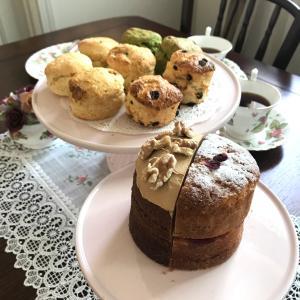 おうちティータイム応援♪「人気の英国ケーキ2種&スコーン8個(4種×2)」