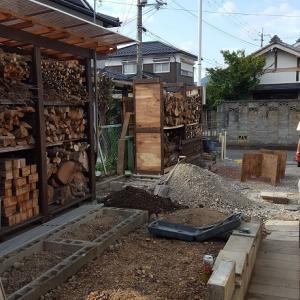 裏庭 DIY 薪棚設置の次は?物置移設&ブロック撤去とまだまだ続くよ