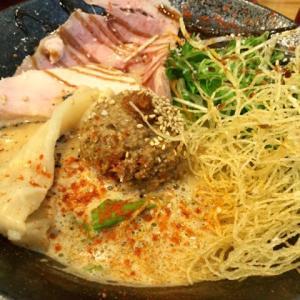 松本家の休日で紹介!肥後橋のラーメン店「抱きしめ鯛」の鯛担麺を食べたよ。メニューや混雑状況を紹介。