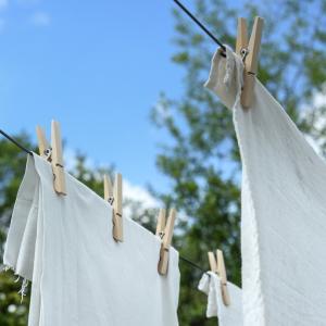 旅行中の洗濯。洗濯洗剤と柔軟剤はシートがおススメ。洗濯ネットはパッキングに活用しよう!