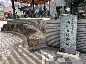 歌舞伎座への途中