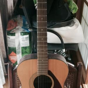 ヤマハのフォークギターをリペアする