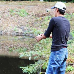 野池のバス釣り攻略法 | 季節や時間帯、各ポイントのおすすめルアー