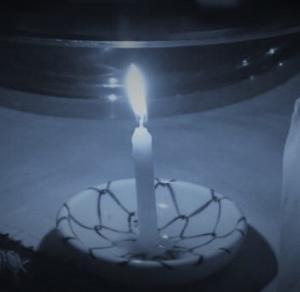 蝋燭の灯りに父の優しさが浮かぶ夜。