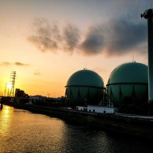 東京ガスのタンク三兄弟。