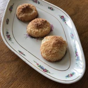 コキートス(ココナッツパウダーの焼き菓子)
