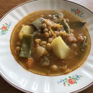 オジャ ヒタナ(ひよこ豆と野菜の具沢山スープ)