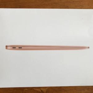 MacBook Airがやって来た