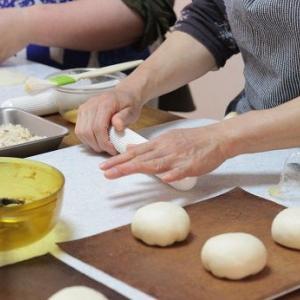 6/16 レッスンレポ(^^) 焼きカレーパン&黒糖蒸しパン。