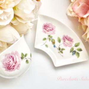 エレガントな花柄のお湯呑みセット