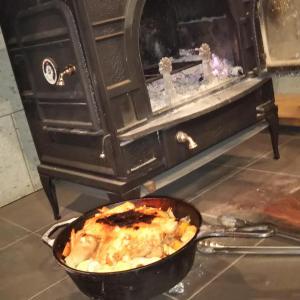 クリスマスイブは、家族でチキンを食べました。・・・・薪スト40