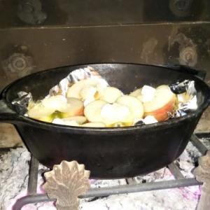 今日は、焼きリンゴを作ってみました・・・・薪スト2