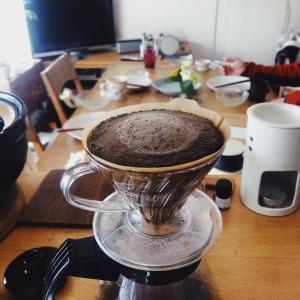 部屋の整理と焙煎珈琲で気分転換の時間