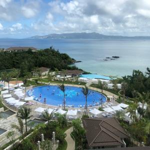 ハレクラニ沖縄のオーキッドプール