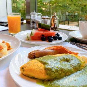 シェラトン都ホテル東京【プラチナ特典で朝食無料】レストラン四川とカフェカルフォルニア