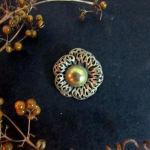 アンティーク花型真鍮ボタン