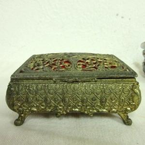 古い宝石箱