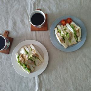 サンドイッチと、届いたものと買ったものと、マリメッコ。