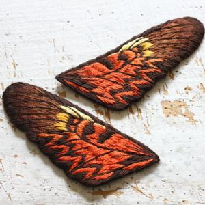 今までで最大の立体刺繍の蝶々の前翅が完成!