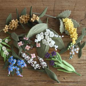 小さな小さなお花達「いちばんちいさなフェルトの花アクセサリー」