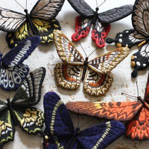 新刊「立体刺繍の花と蝶々」の 電子書籍が配信開始されました