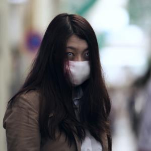 マスク姿の女性を見ると、口裂け女を思い出す