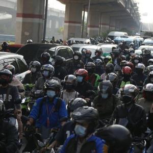 インドネシアの感染状況はピークに!!さらなる活動制限再開が始まった!?