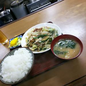 古河市  さかさ食堂  野菜炒め定食