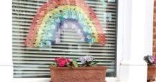 希望の虹と感謝応援の拍手
